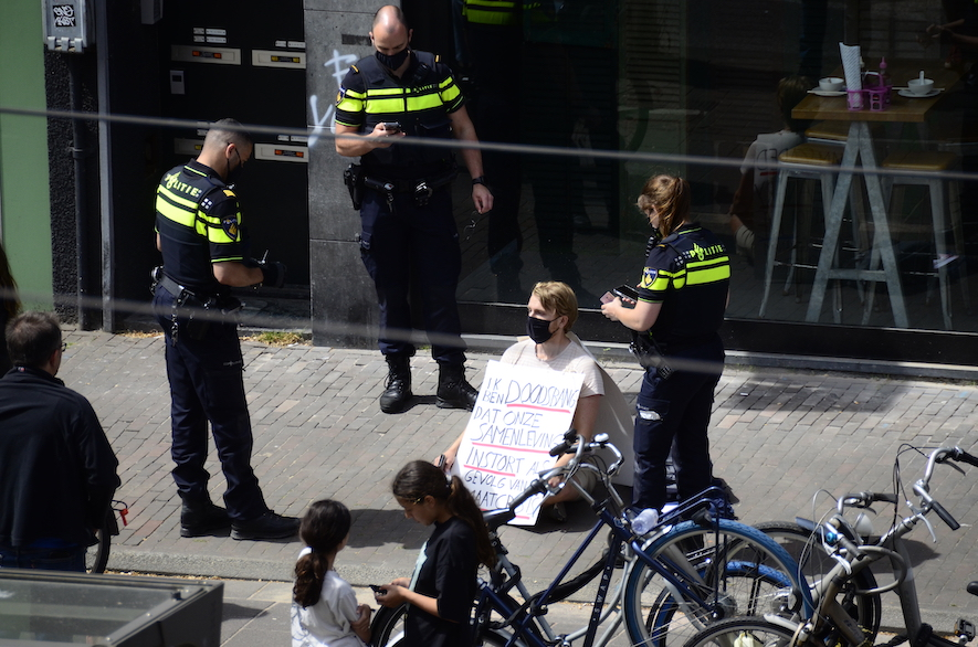 foto uit het raam (Bilderdijkstraat eerste verdieping) van Jeroen Werner