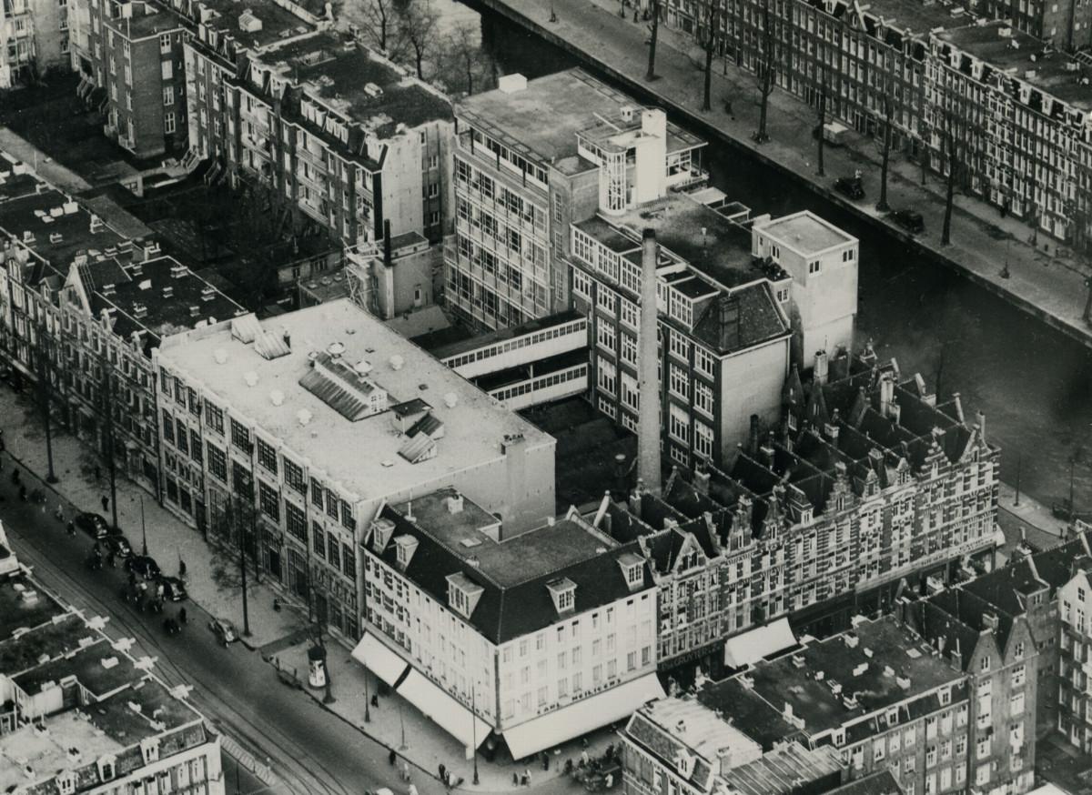 Het Tetterode complex tussen Bilderdijkstraat en Da Costa kade (jaren 60)